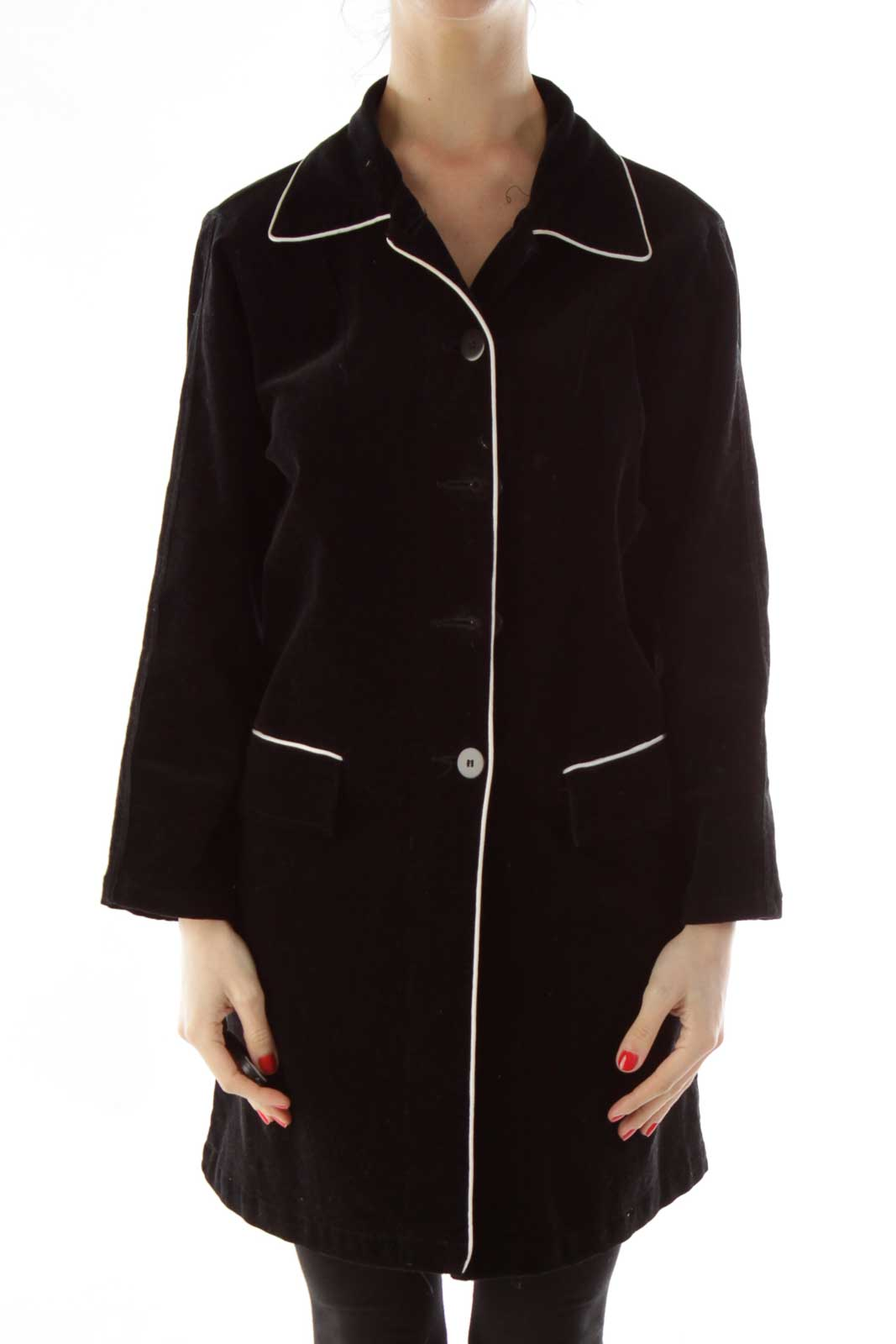 Black Buttoned Pocketed Coat Front