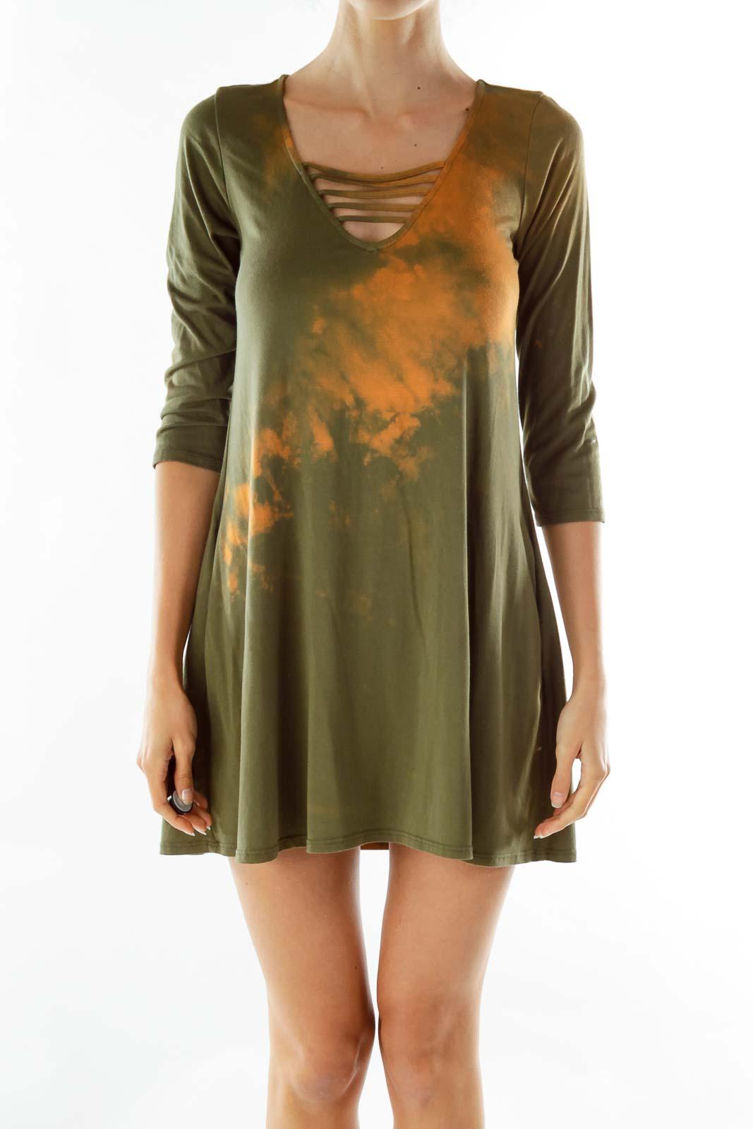 Green V-neck Tie Dye Day Dress Front