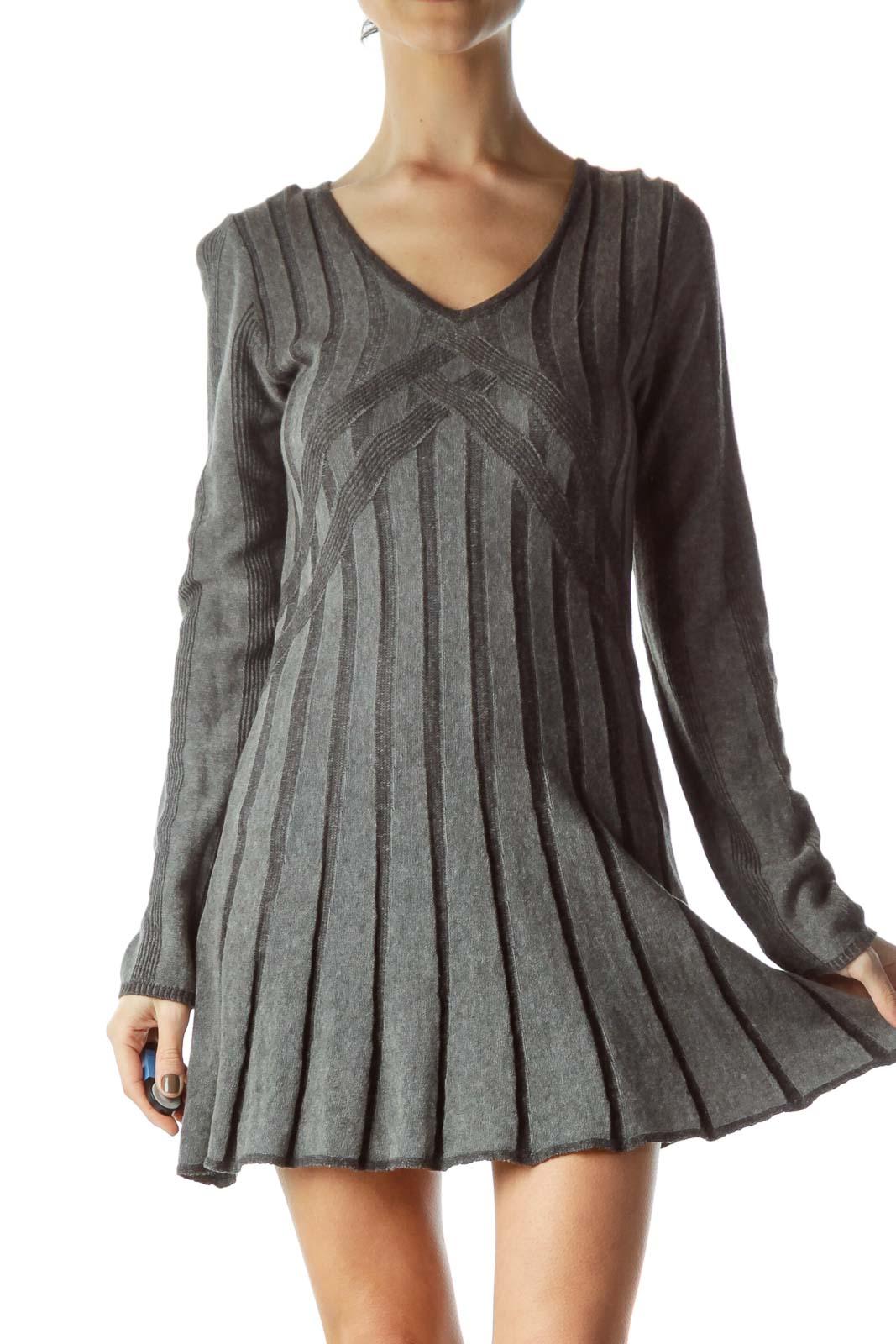 Gray Long Sleeve V-Neck Knit Dress Front