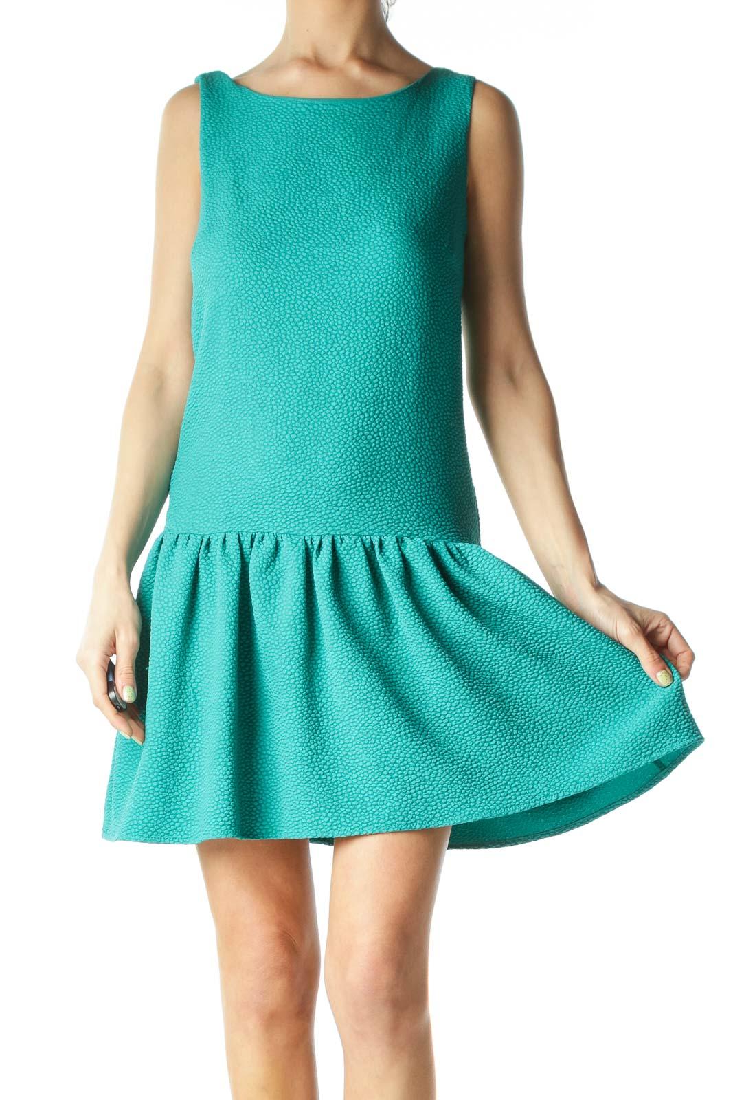 Green Textured Flared-Bottom Sleeveless Day Dress Front