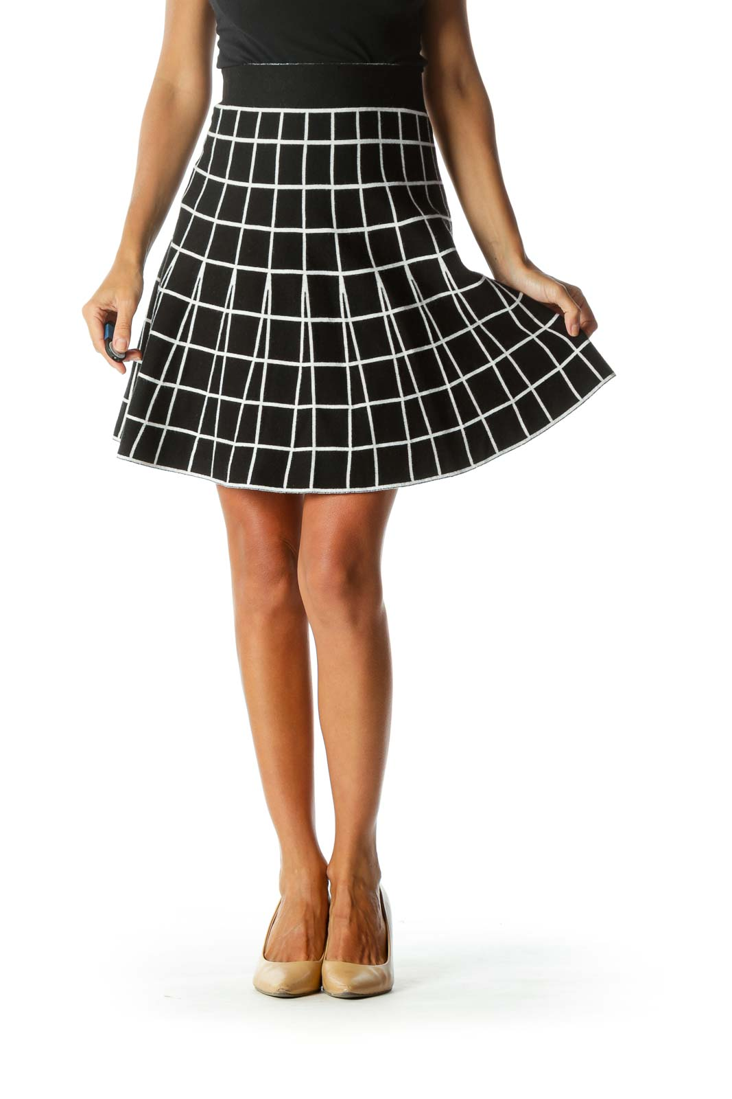 Black White Grid Print Elastic Waist Band Flared Knit Skirt Front