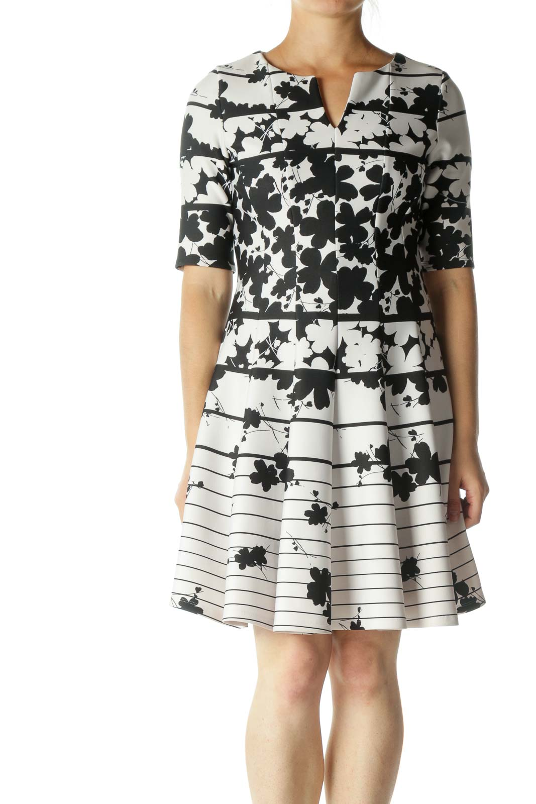 Black White Floral Print V-Neck Dress Front