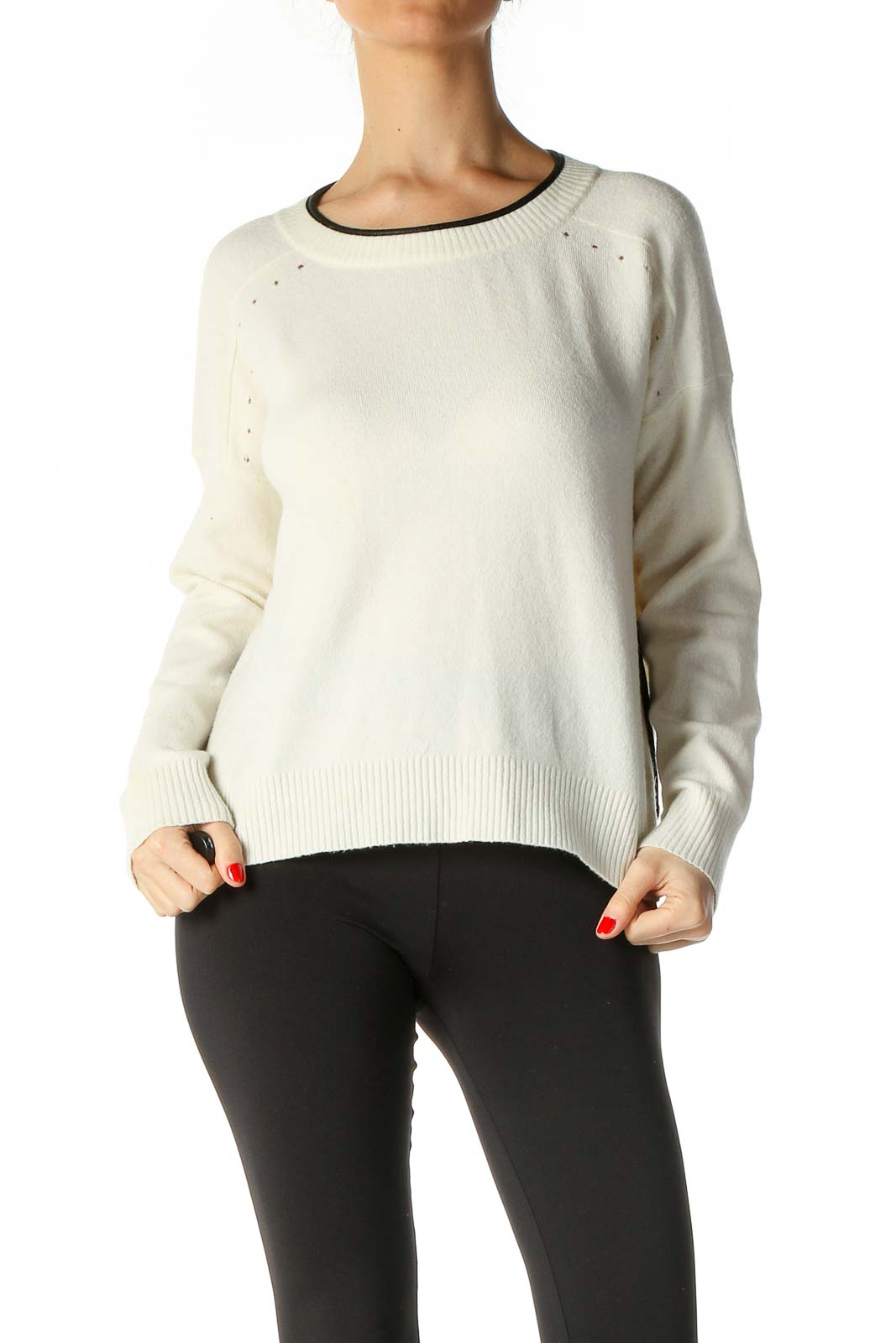 White Solid Casual Sweater Front