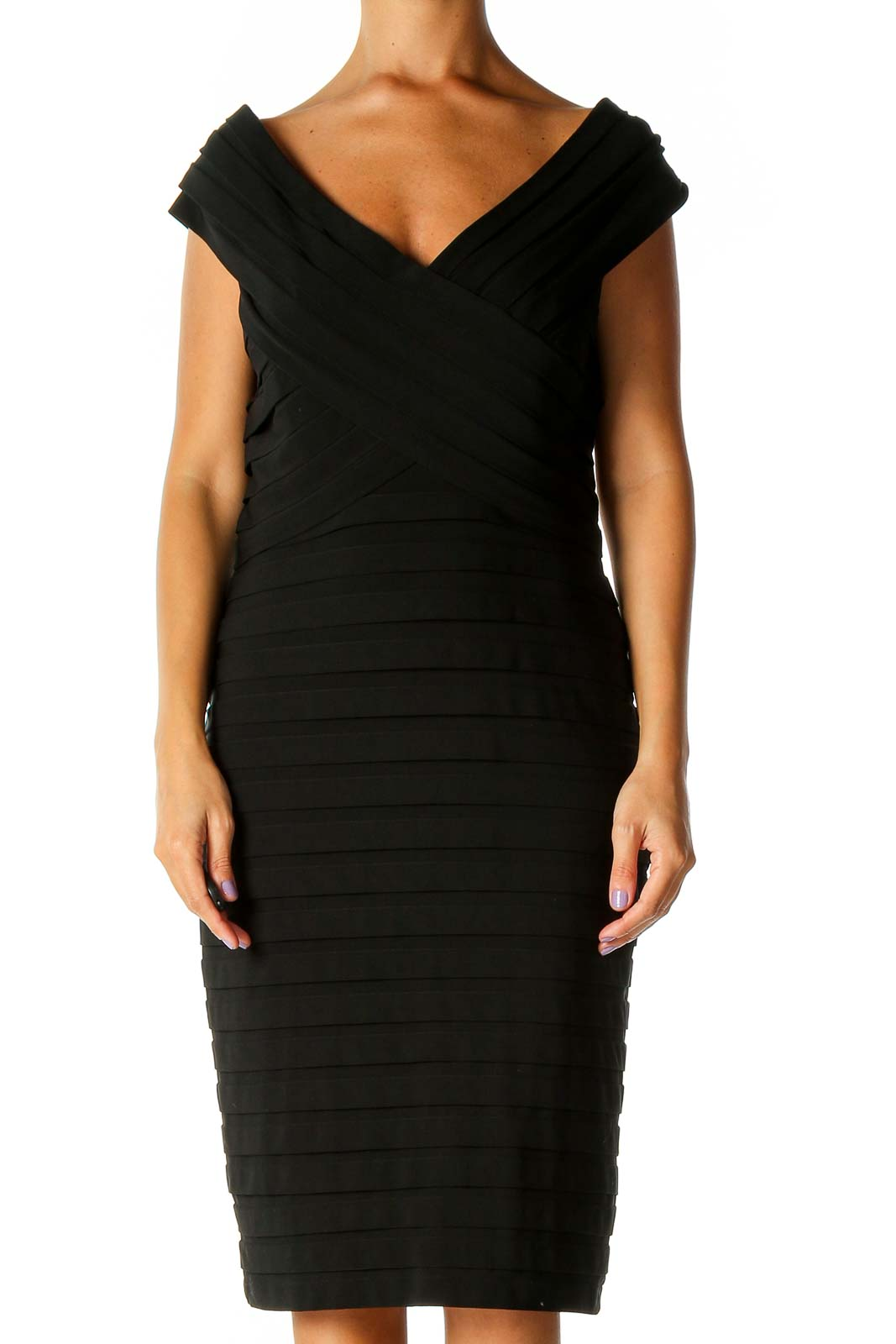 Black Solid Chic Sheath Dress Front