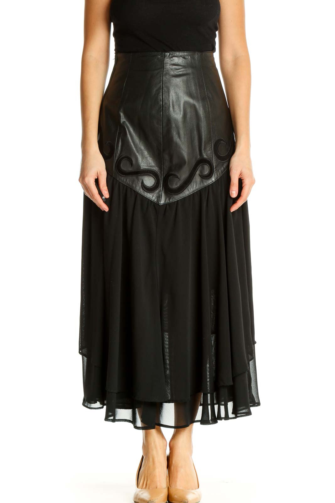 Black Solid Casual A-Line Skirt Front
