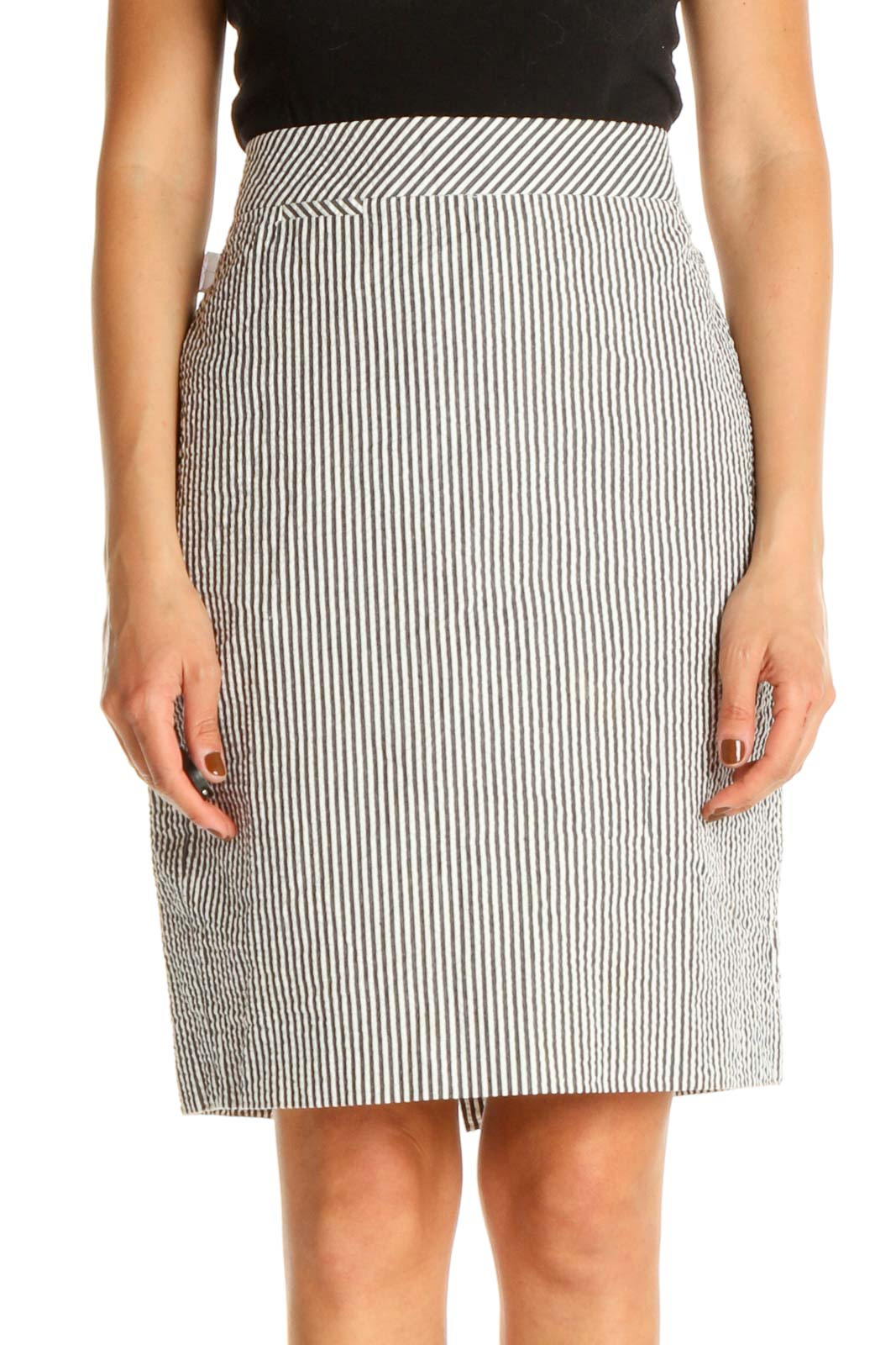 White Printed All Day Wear Pencil Skirt Front