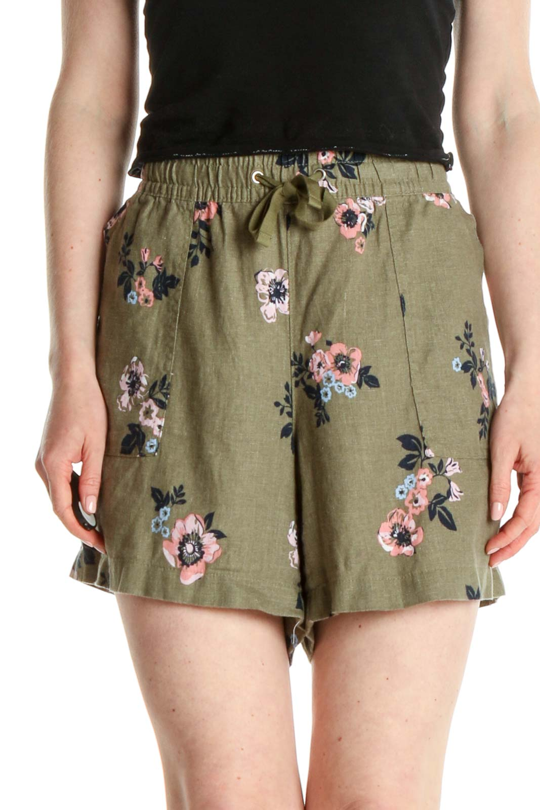 Green Floral Print Casual Shorts Front